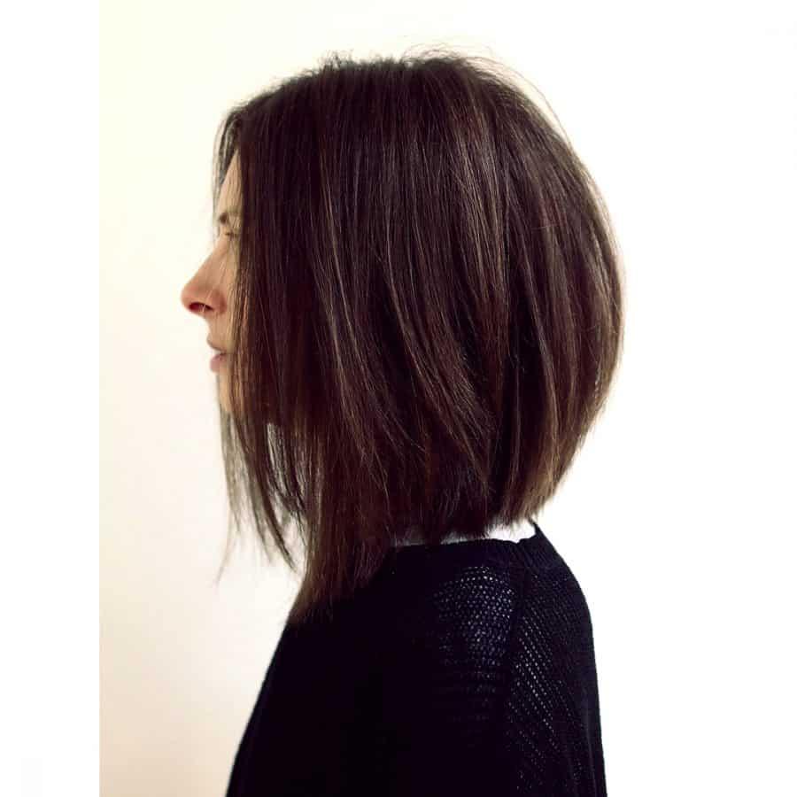 Abgestufter Lange Bob Cut mit Abgewinkeltem Layered Bob Für Glattes Haar
