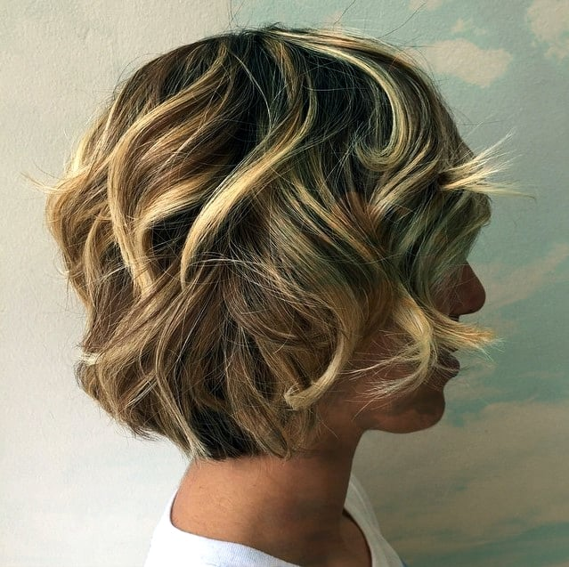 Lockiger Bob mit Highlights Curly Layered Braun Blondine Bob