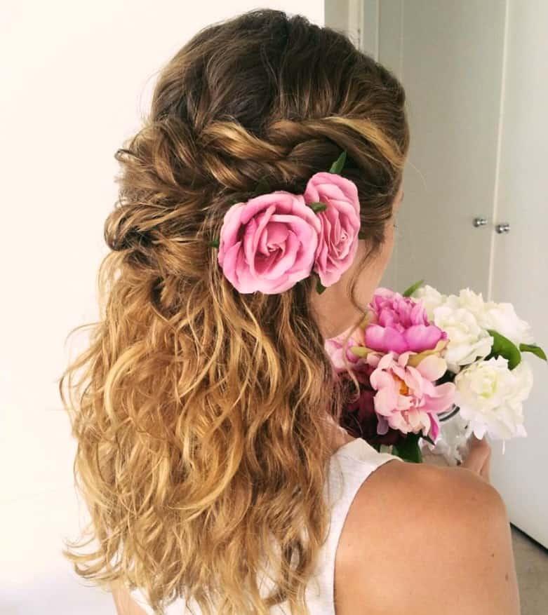 Festliche Frisuren Halboffen Locken mit Wunderschöne Half-Up Curly Hochzeit Frisur