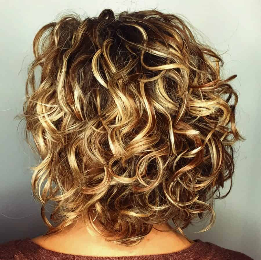 Frisuren kinnlang mit locken