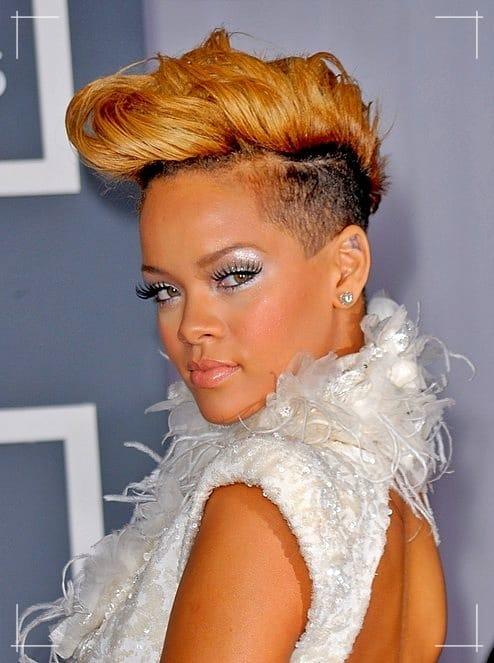 Rockabilly Frisuren Blonde Pompadour