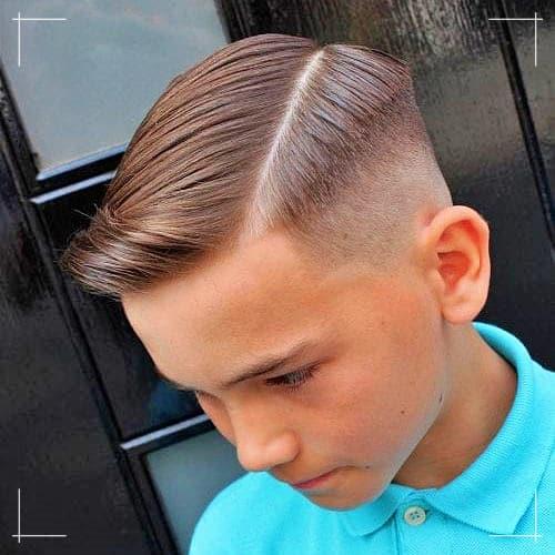 Jungen Frisuren Moderner harter Haarschnitt
