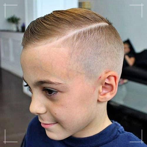 Jungs Frisuren Überkämmen mit hartem Teil und Skin Fade